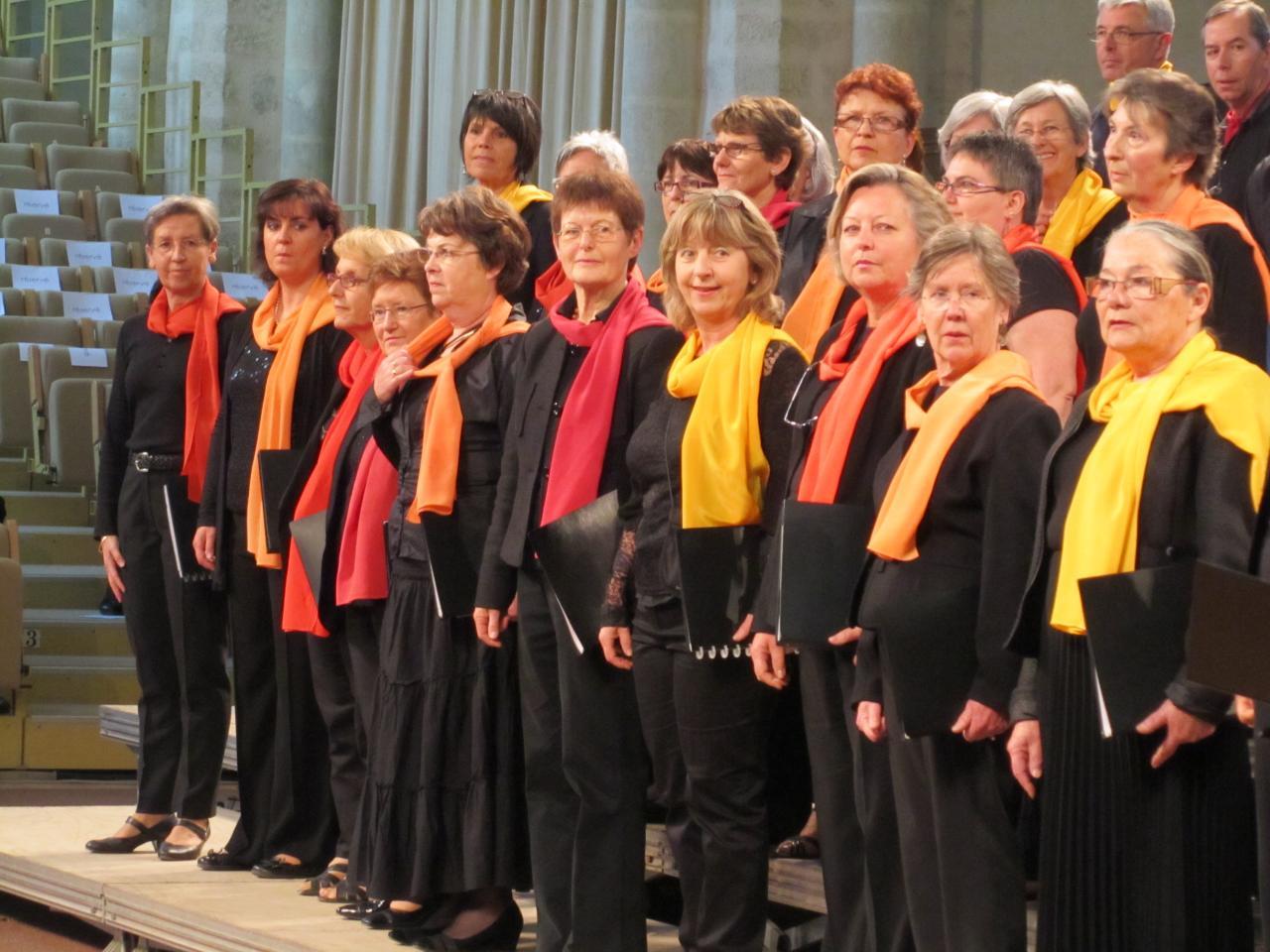 Harmonia mai 2012 - Chaîne chorale à l'abbaye de l'Epau